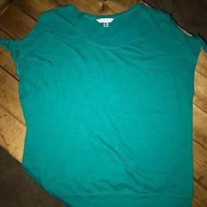 CAbi - Cold shoulder tee- 100% cotton- Turquoise